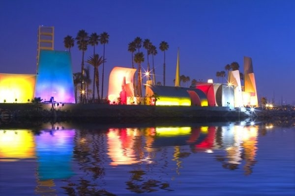 Sculptural Screen for Oil Islands